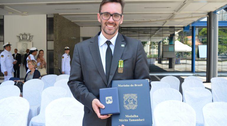 Presidente da SBMN recebe Medalha Mérito Tamandaré